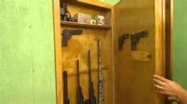 hominicious.com:best-nightstand-gun-safe: